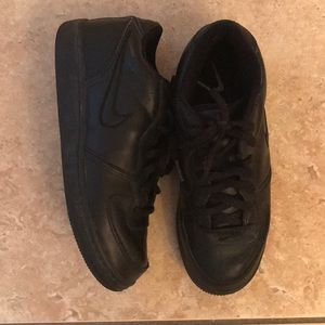 Nike Black Sneaker